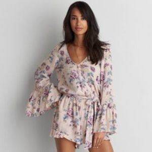 American Eagle bell sleeve floral romper- Size XS